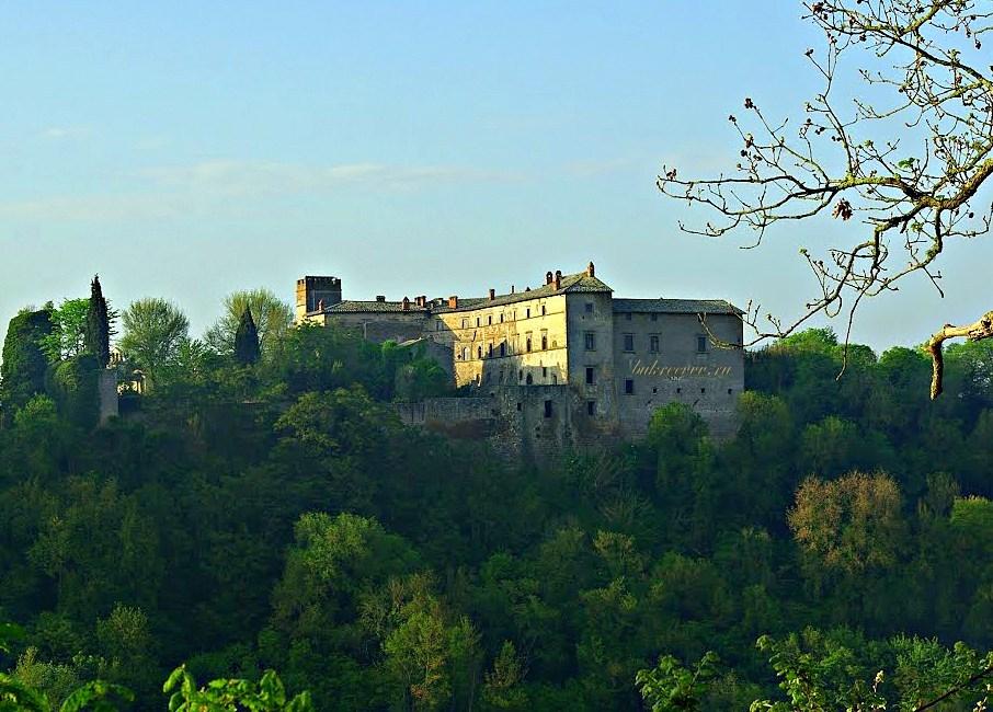 Castello di Montecalvello 26