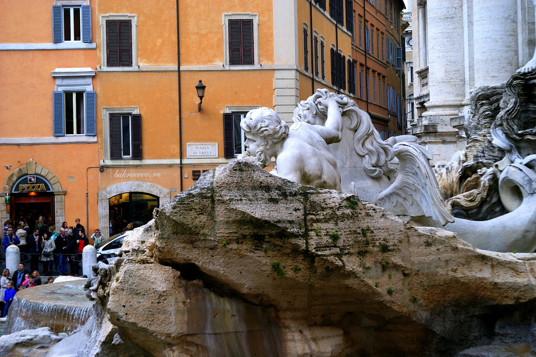 Fontana di Trevi 56