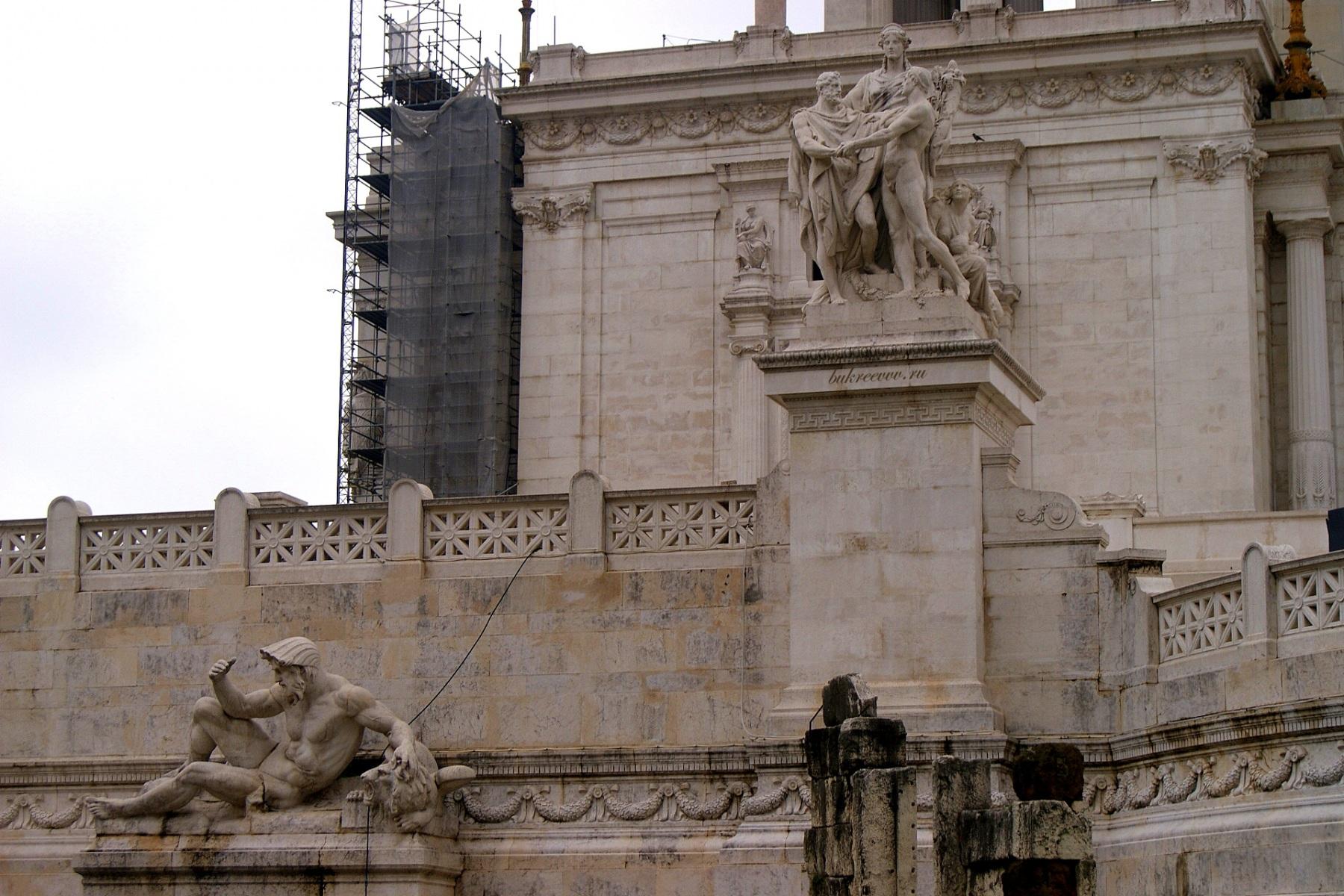 Il Monumento nazionale a Vittorio Emanuele II 41