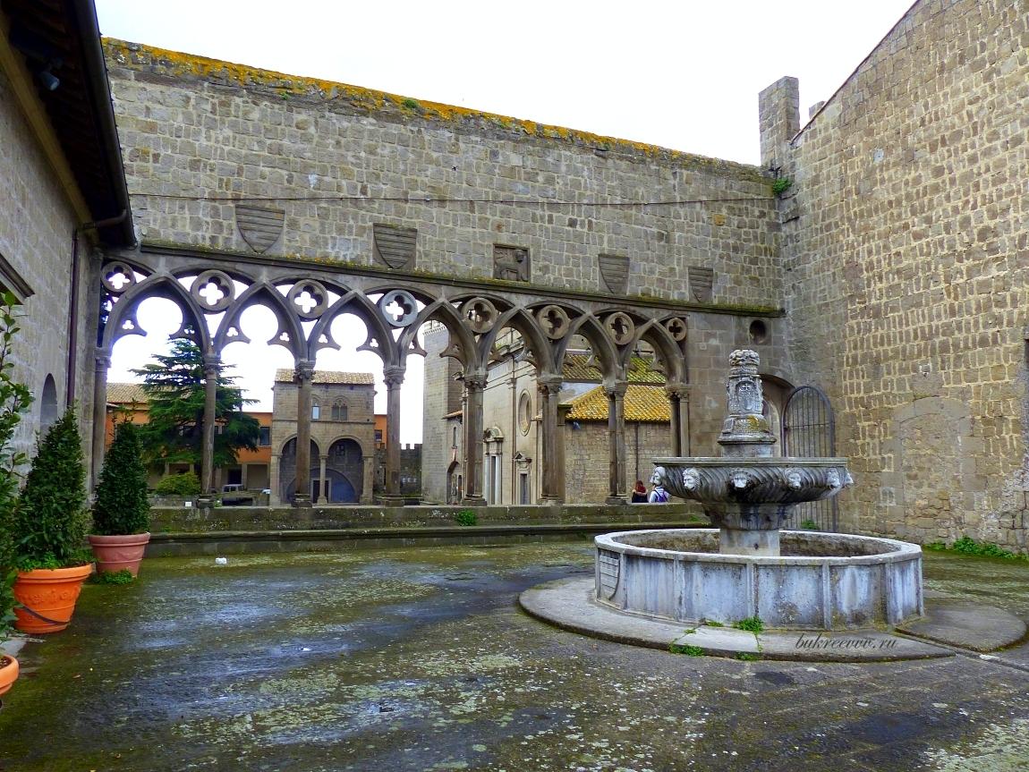Palazzo dei Papi 27