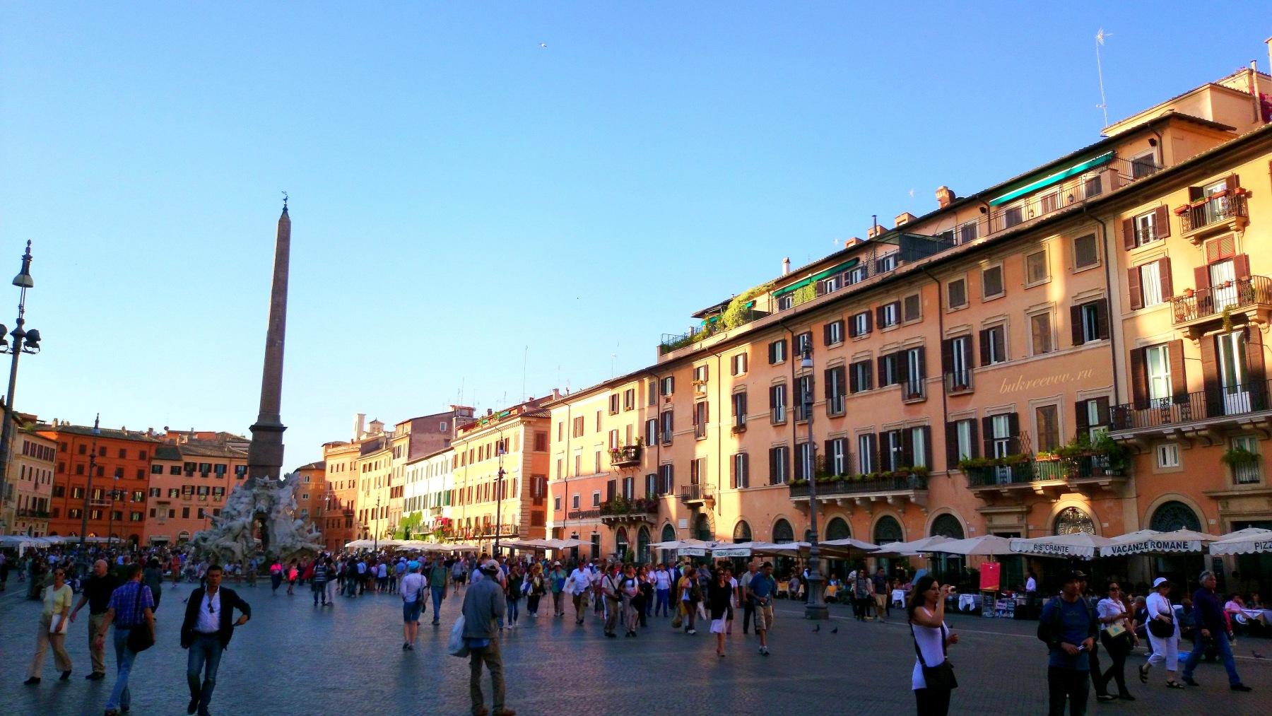Piazza Navona 64
