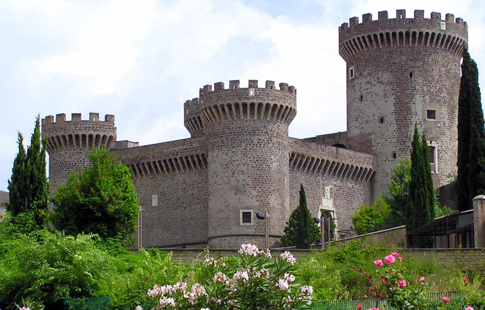 Rocca Pia 24