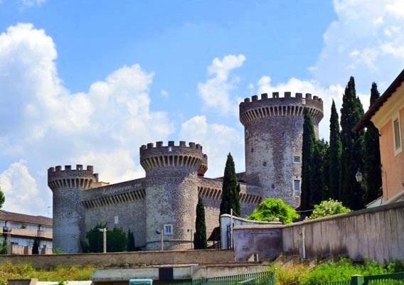 Rocca Pia 33